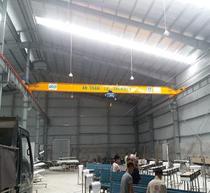 Lắp đặt cầu trục tại khu công nghiệp