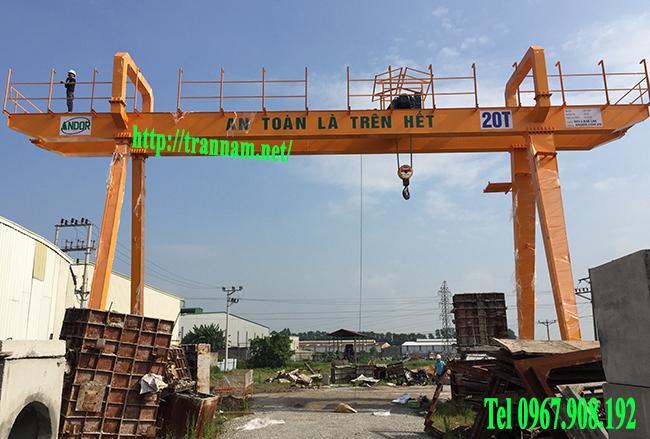 Cổng trục dầm đôi 20 tấn