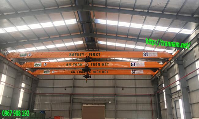 Cầu trục đơn 3 tấn và 5 tấn chạy cùng hệ dầm đỡ ray