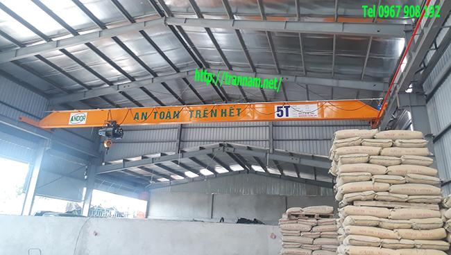 Cầu trục đơn 5 tấn dùng trong nâng hạ vât liệu