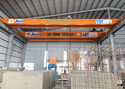Cầu trục hai dầm 15 tấn