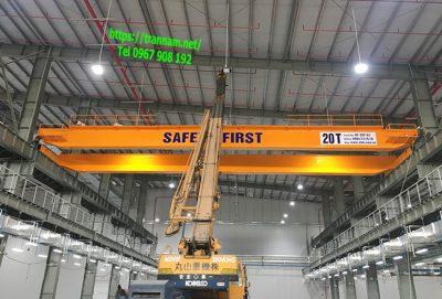 Lắp đặt cầu trục 20 tấn dầm đôi