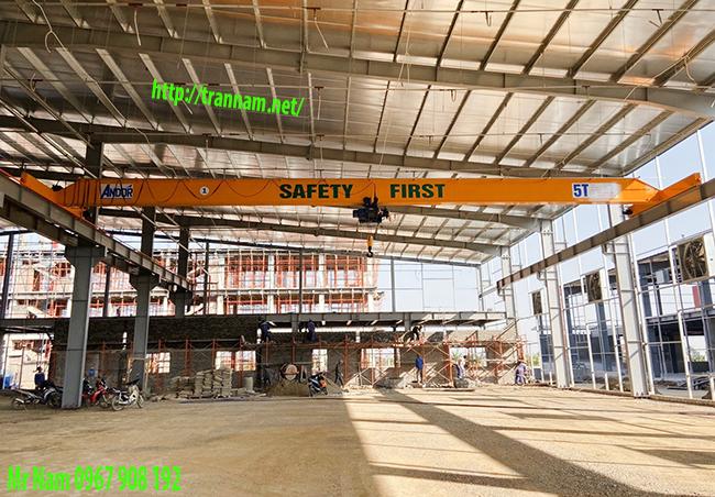 Cầu trục dầm đơn 5 tấn tại KCN Quế Võ - Bắc Ninh