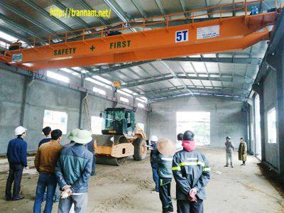Bàn giao cầu trục 5 tấn tại Quảng Ninh