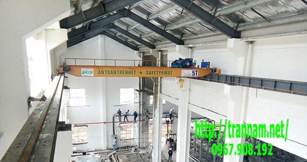 Cầu trục dầm đôi tại Quảng Ninh