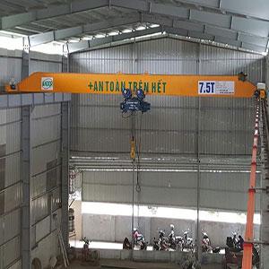 Cầu trục dầm đơn tại Quảng Ninh.