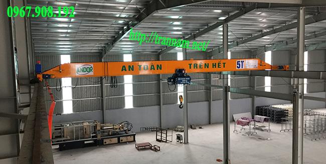 Cầu trục đơn 5 tấn trong nhà xưởng