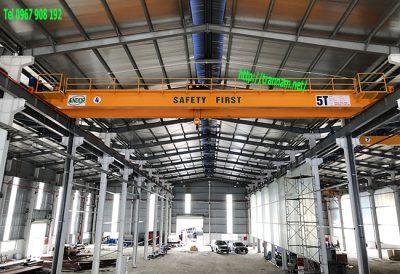 Chế tạo cầu trục đôi trong nhà máy