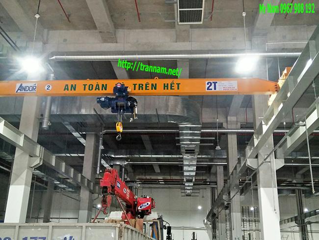 Lắp dầm cho cầu trục 2 tấn